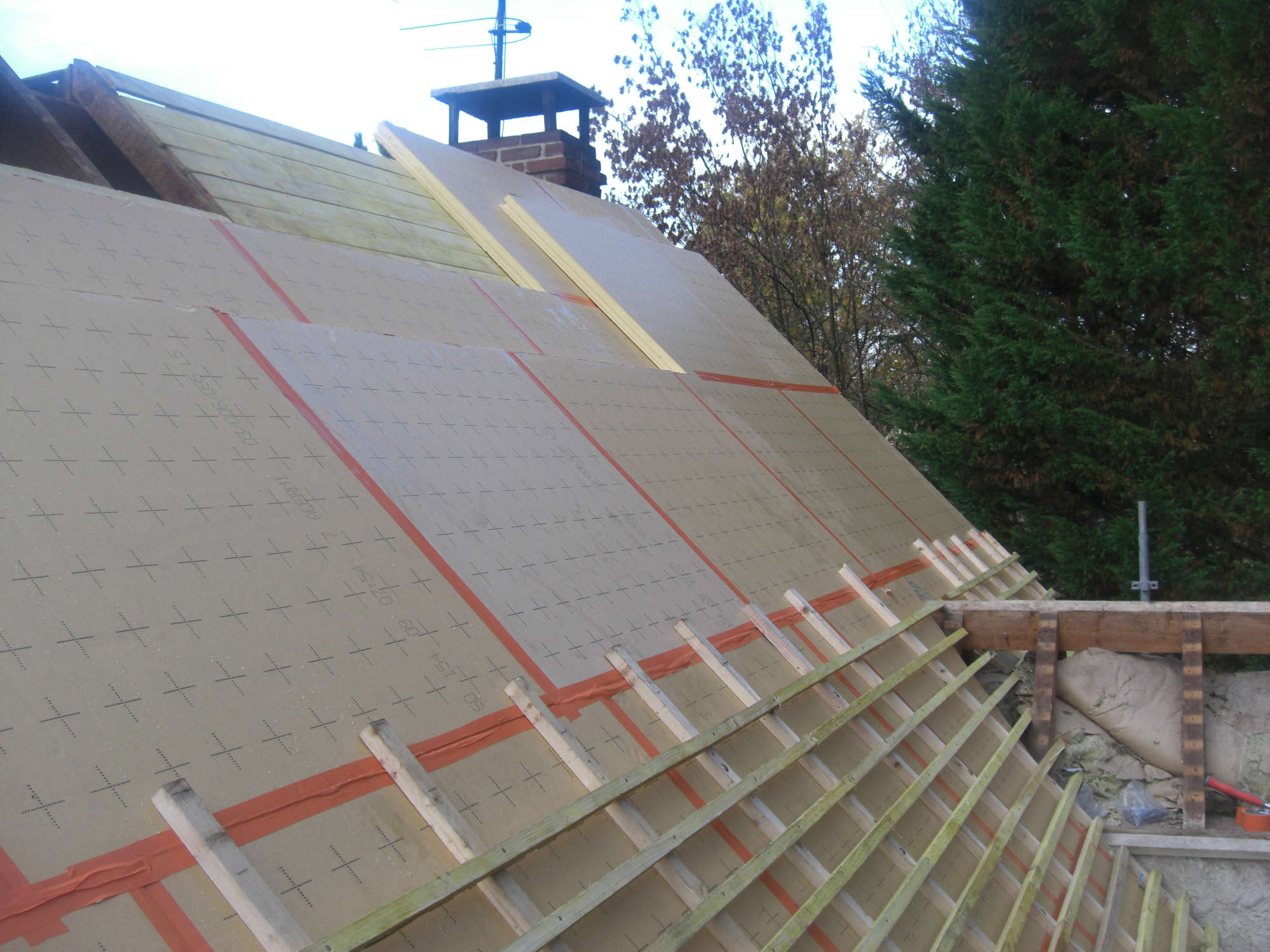 isoler une toiture top isoler toiture plate with isoler. Black Bedroom Furniture Sets. Home Design Ideas
